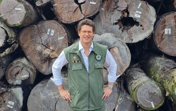 PF vai trocar chefe no Amazonas que pediu investigação contra Salles