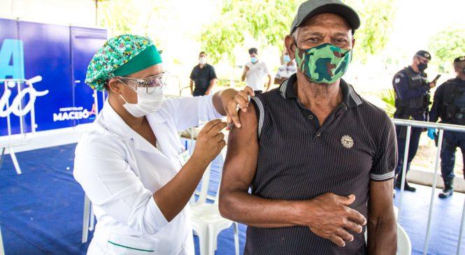 Prefeitura: Maceió é a primeira capital do País a concluir a vacinação de pessoas com comorbidades
