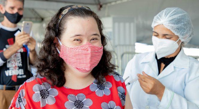 Maceió conclui vacinação de idosos contra Covid-19 e avança para 3ª fase