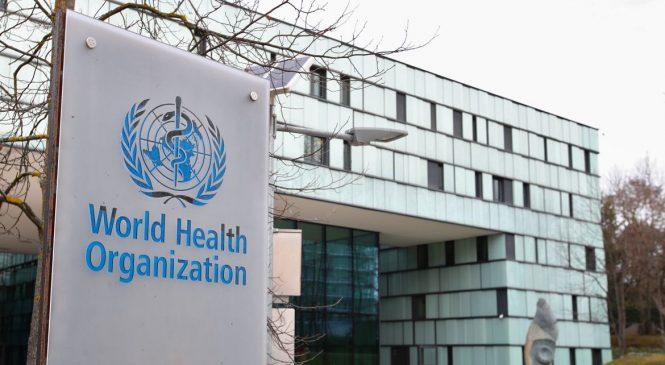 OMS diz que são necessárias novas restrições para combater pandemia