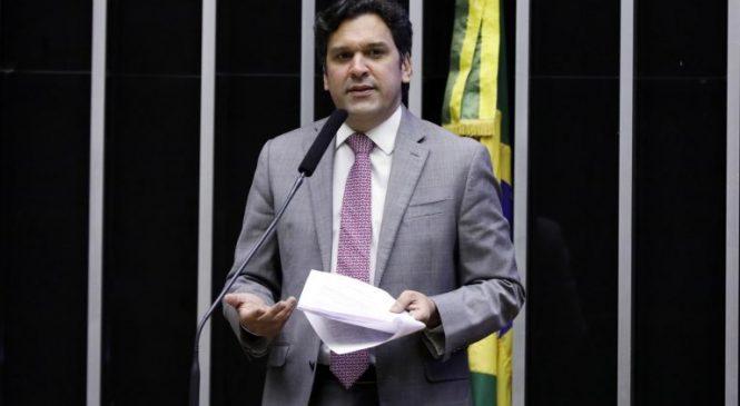 Líderes do Congresso veem ameaça de Bolsonaro contra STF e democracia
