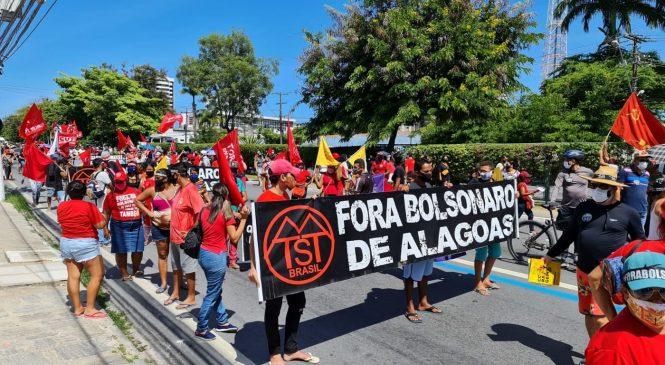 Oposição sai às ruas em Maceió e mais 200 cidades em protesto contra Bolsonaro