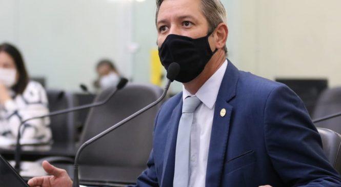Cabo Bebeto lamenta falecimento de policiais e cobra prioridade de vacinação para Segurança Pública