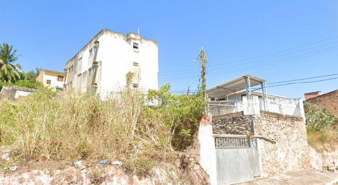 Mais um prédio do Pinheiro com risco de desabamento passa por demolição