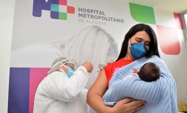 Sesau inicia vacinação de gestantes, puérperas e transplantados com a vacina Pfizer