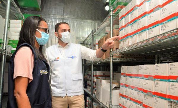 Estado recebeu nesta terça mais de 99 mil doses de vacinas Pfizer e Astrazeneca