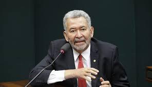 Presidente que chama ministro do STF de filho da puta é uma aberração, diz Paulão