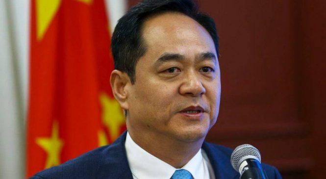 Emabixador da China dá indireta no Brasil após gafe do Ministério da Saúde no Twitter
