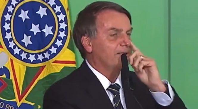 """Bolsonaro, que tem sigilo de 100 anos no cartão de vacinação, diz que """"não vai se vacinar"""""""