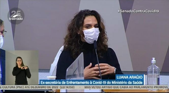 """Delirante, esdrúxula"", diz infectologista afasta por Bolsonaro sobre uso de cloroquina na Covid-19"