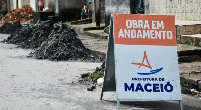 Mais de 170 toneladas de lixo são retiradas da rede de drenagem em Maceió