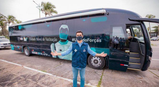 JHC recebe ônibus da vacina e reforça imunização em Maceió