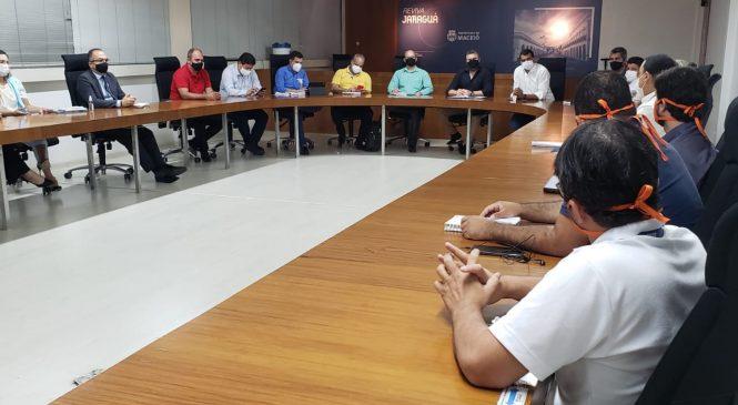 Prefeitura de Maceió e Equatorial discutem medidas para coibir instalação irregular de fios nos postes