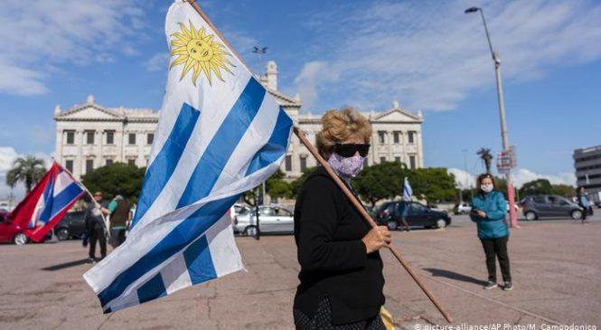 Uruguai reduz mortes e internações em UTI com vacinação contra Covid-19