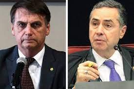 Bolsonaro condena Barroso por impedir ações de despejos na pandemia