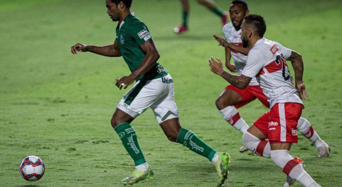 Zaga do CRB falha e o Galo perde jogo por 1 a 0 para o Goiás pela série B