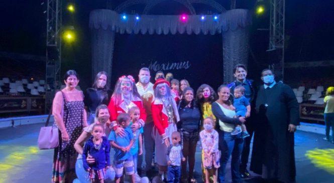 Crianças carentes de Maceió vivem momentos de alegria e diversão no circo