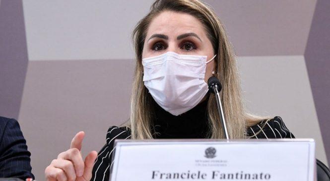 Ex-coordenadora do PNI diz na CPI que 'líder da nação' prejudicou vacinação