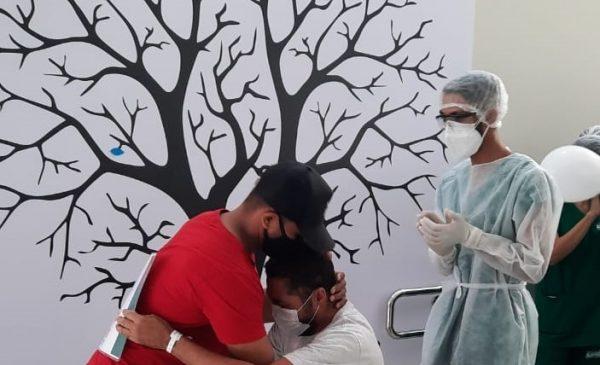 Hospital do Alto Sertão recupera todos os pacientes de Covid na 1ª semana de funcionamento