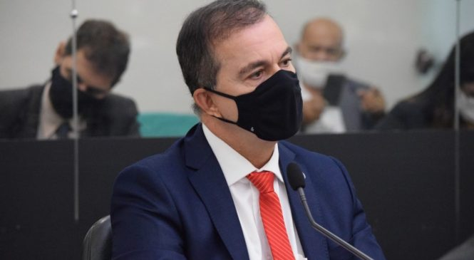 Ronaldo Medeiros denuncia prefeito de Canapi por descumprimento de legislação