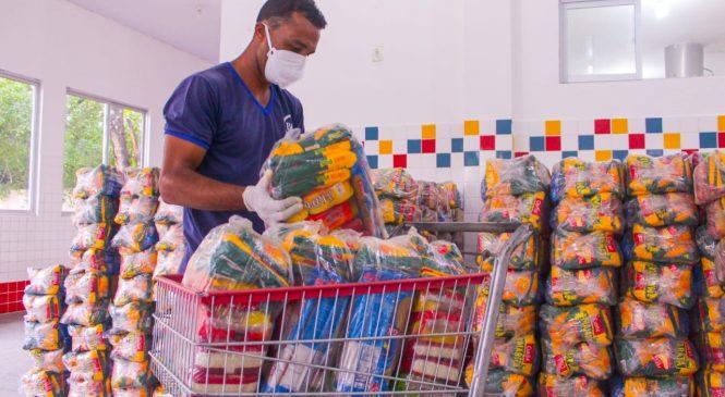 Mais quatro escolas em Maceió recebem kits merenda para alunos matriculados