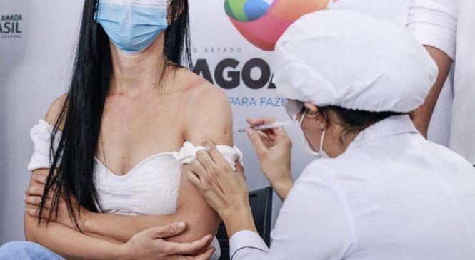 Alagoas ultrapassa 1,7 milhão de doses aplicadas contra Covid-19