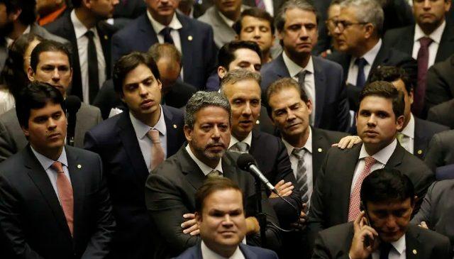 Centrão: depois do fundo eleitoral de R$ 5,7 bilhões um orçamento paralelo de R$ 11 bi