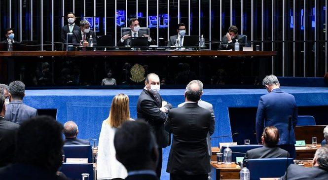 Relatora do Senado firma parecer contra volta das coligações partidárias