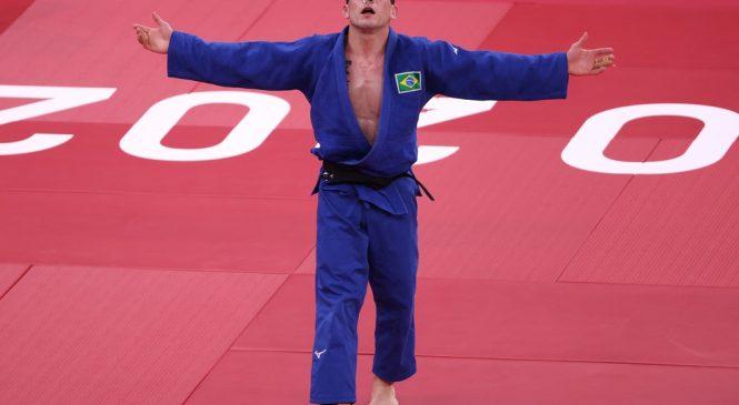 Judô mantém a escrita e garante a primeira medalha para o Brasil nos jogos olímpicos do Japão