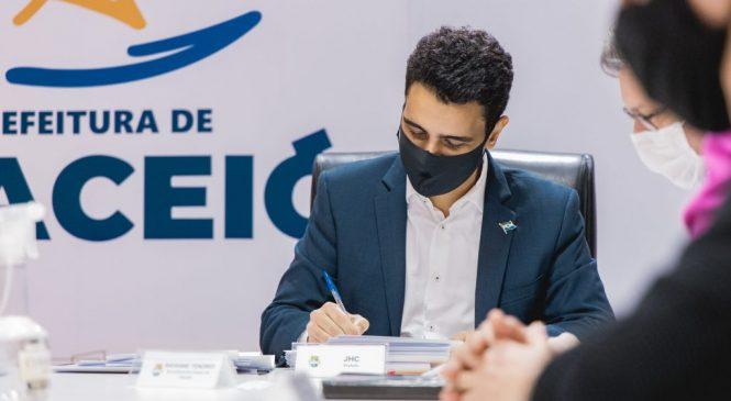 JHC anuncia reposição inflacionária de 3% a todos os servidores de Maceió
