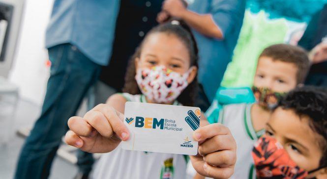 Prefeitura de Maceió inicia pagamentos da terceira parcela do BEM
