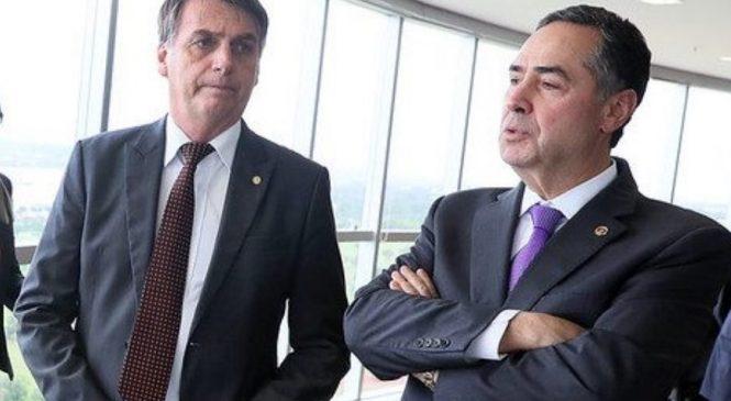 Presidente do TSE, Barroso defende sistema eleitoral e rebate Bolsonaro