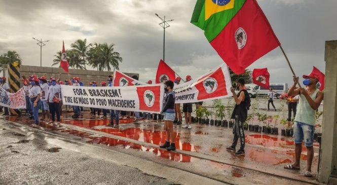 Juventude Sem Terra realiza protesto contra a Braskem em Maceió