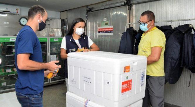 Alagoas recebe hoje mais de 67 mil doses de vacina contra Covid-19