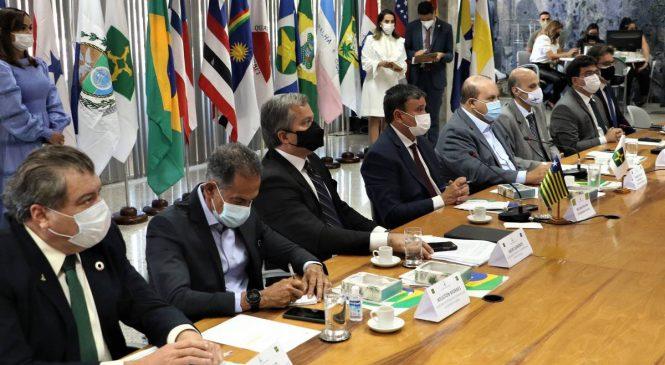 Governadores querem reunião com presidente para tentar conter a crise