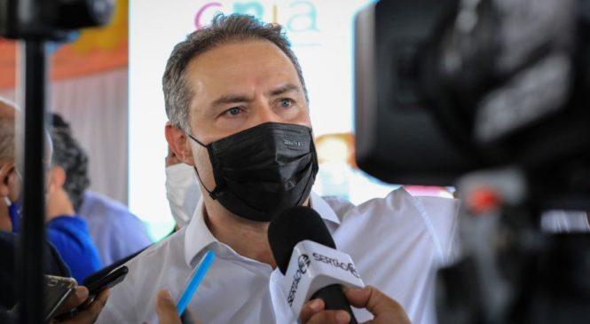 Renan Filho anuncia a suspensão imediata da vacinação em adolescentes