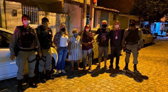 Ação conjunta resgata idosa de 101 anos abandonada em residência na Jatiúca