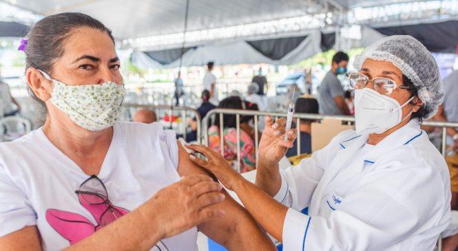 Maceió aplica apenas segunda dose da vacina contra Covid-19 neste domingo