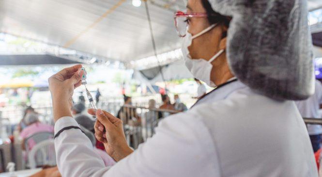 Maceió aplica 2a dose de vacinas contra covid-19 no fim de semana