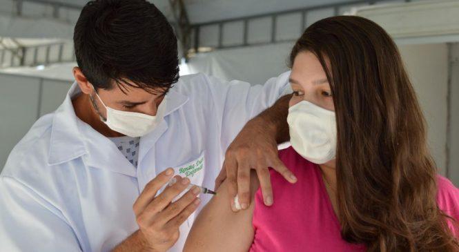Alagoas é o primeiro estado do NE a completar vacinação de mais de 30% da população