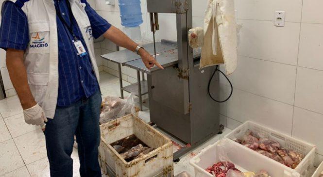 Quase uma tonelada e meia de alimentos fora da validade são recolhidos em Maceió