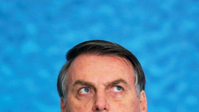 Incapaz, Bolsonaro aposta na ruptura para posar de vítima