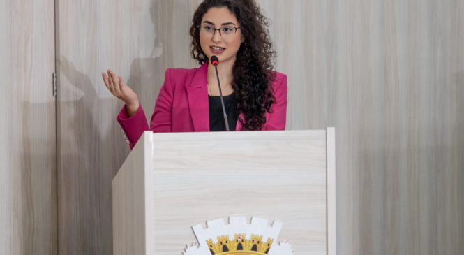 Teca Nelma apresenta projetos agosto lilás e de incentivo ao aleitamento materno