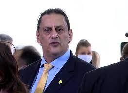 Acusado de assediar mulher, advogado de Bolsonaro é perseguido por marido