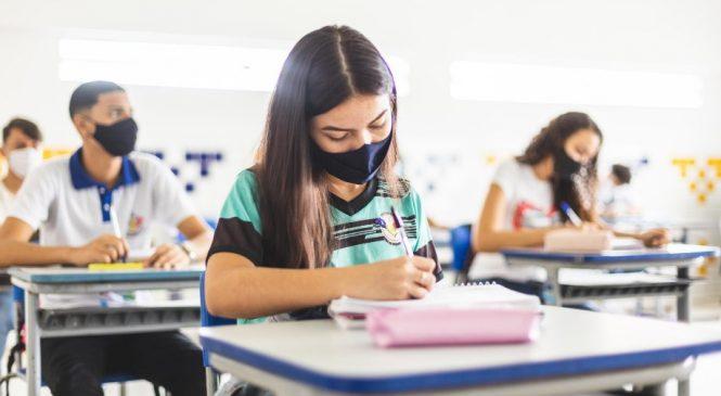 Educação regulamenta retorno 100% presencial para turmas da rede alagoana avaliadas pela prova Saeb