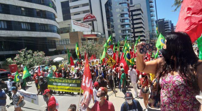 Grito dos Excluídos faz marcha na Pajuçara contra governo Bolsonaro