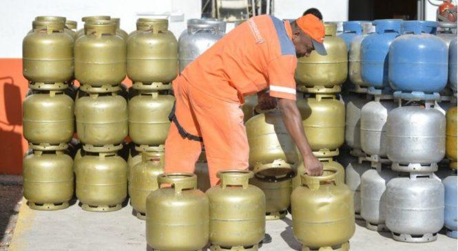 Preço do botijão de gás ultrapassa R$ 100 pela primeira vez na história