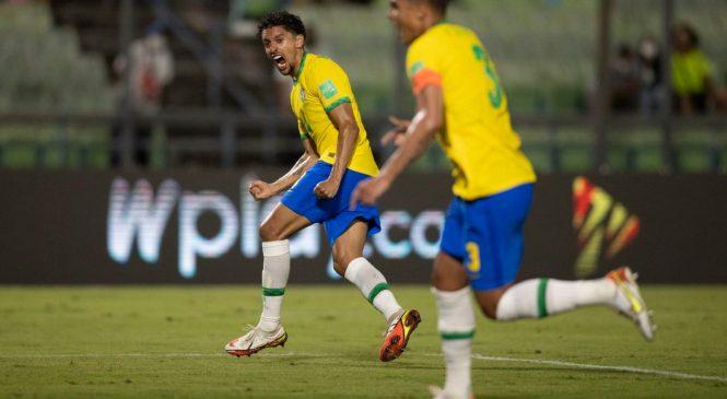 Brasil joga mal contra Venezuela, mas segue 100% nas Eliminatórias da Copa