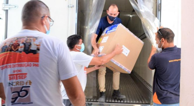 Alagoas vai receber mais 90.225 mil doses de vacinas contra a Covid-19