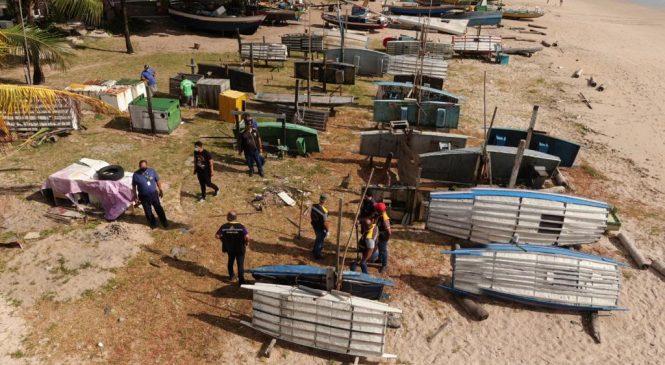 Convívio Social promove reordenamento de jangadas na orla da Ponta Verde